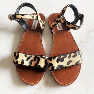 Like new! Steve Madden leopard print flat sandals